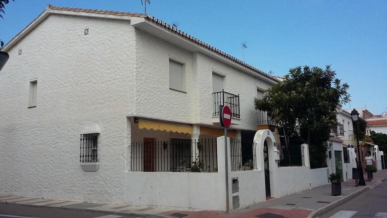 Refurbishment of a corner townhouse