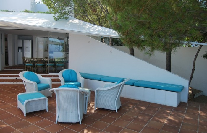 Four bedroom house for sale near the beach in Cala Moli