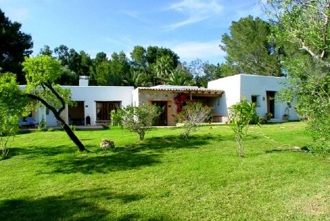 Beautiful large house with 22 rooms for sale in Ibiza