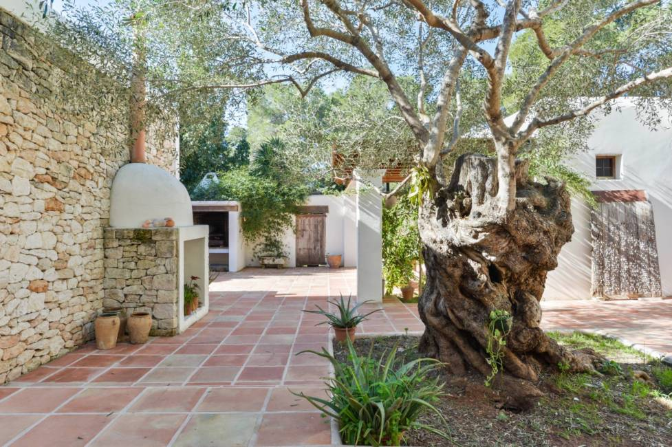 House with four rooms in Ibiza for sale