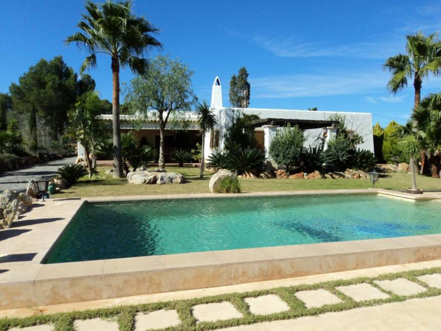 Spacious Houses for sale in Ibiza