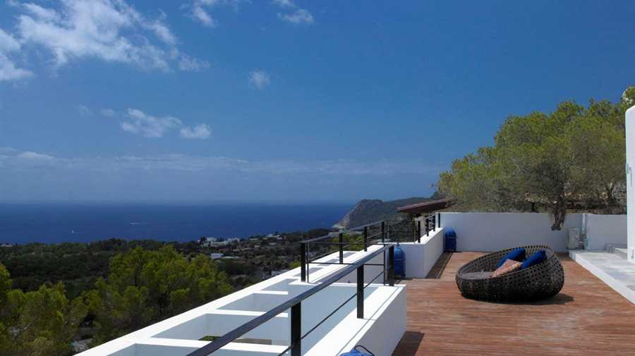 Beautiful luxury Villa in a modern style in Las Salinas