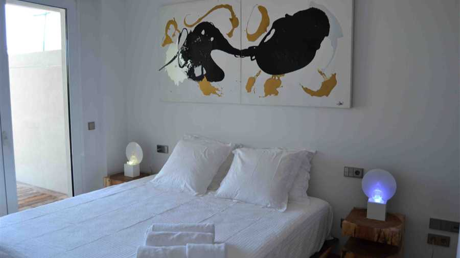 Beautiful luxury apartment on the Paseo Maritimo Ibiza overlooking the old town