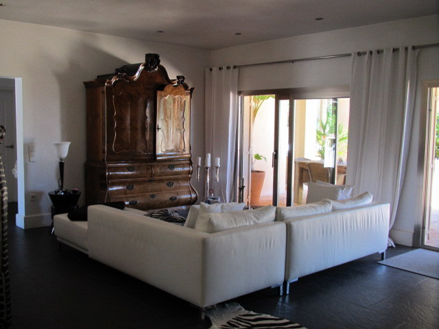 Beautiful villa for sale in Can Furnet
