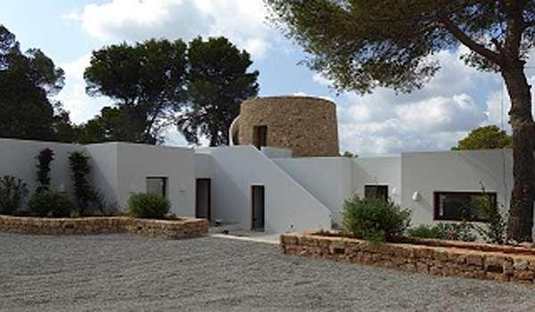 1.Line Beautiful Villa in Cala Gracio
