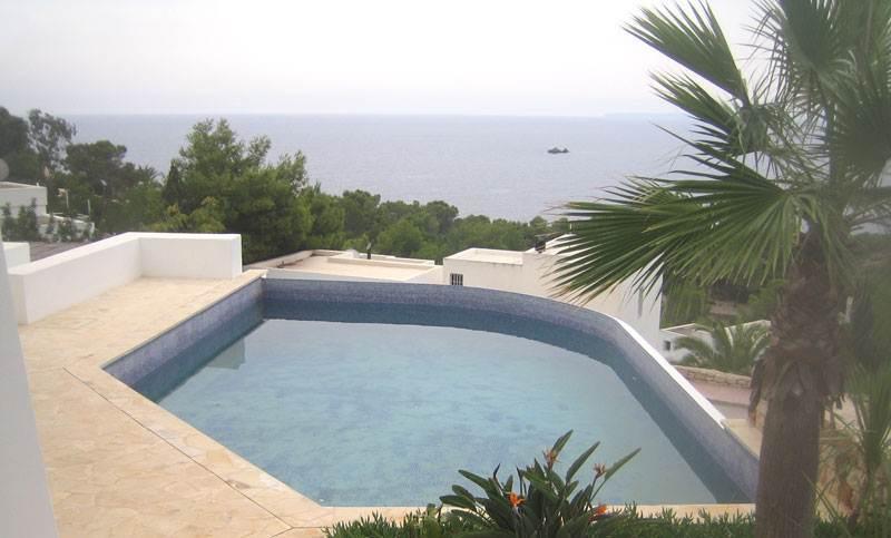 3 Bedroom Luxury Villa Roca Lisa for sale