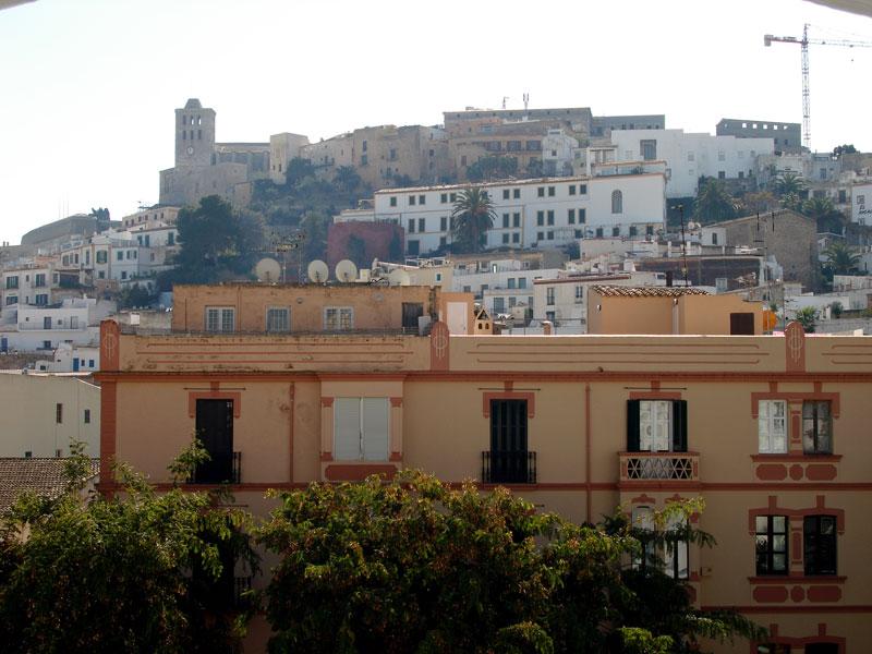 Four Bedroom Penthouse in Vara de Rey for sale