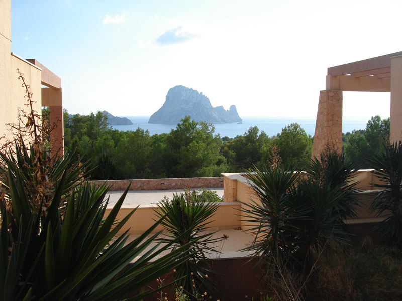 Four houses in Cala Carbo San Jose for sale