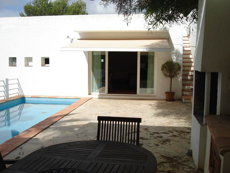 Comfortable 3 bedroom villa for sale in Can Furnet