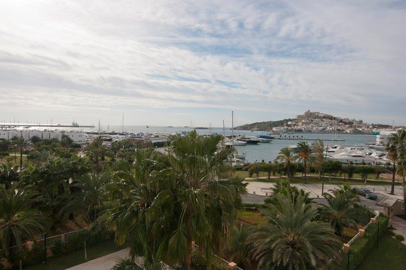 Apartments with four bedrooms in Marina Botafoch sales