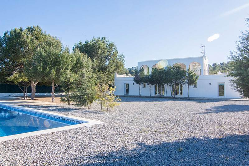 Two Bedroom Villa in Cala Bassa San José for sale