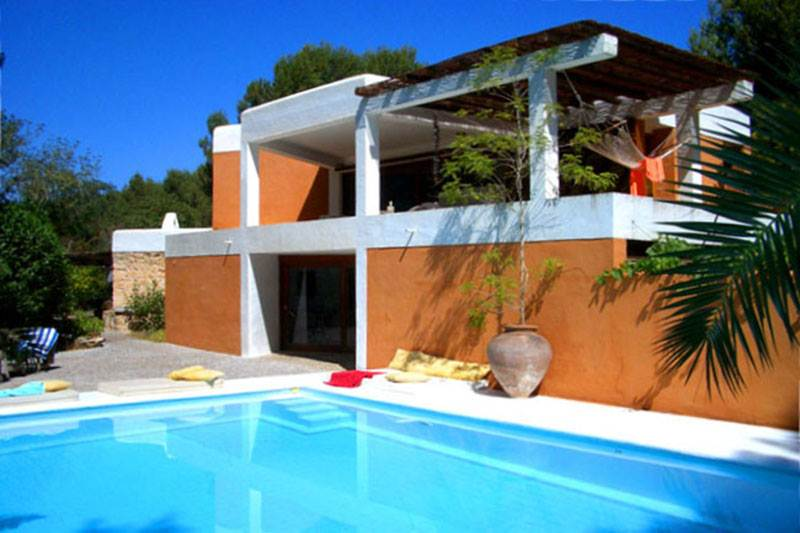spectacular 4 bedroom villa near the city of Ibiza for sale