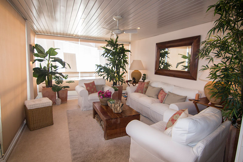 This beautiful 3 bedroom apartment for sale in Marina Botafoch