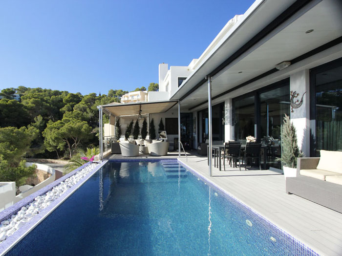 Luxury villa with four bedrooms for sale in Santa Eulalia