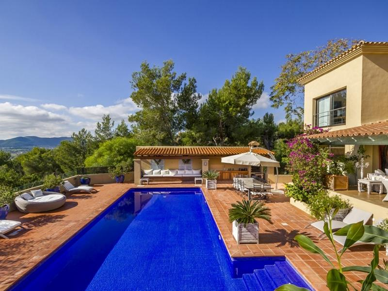 Luxurious Villa in Can Furnet  Ibiza with guests and staff house