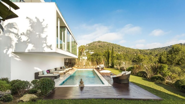 Villa for rent Cap Martinet - Lucia Furly