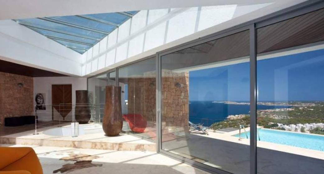 Paradisiacal luxury villa in Cala Vadella for sale