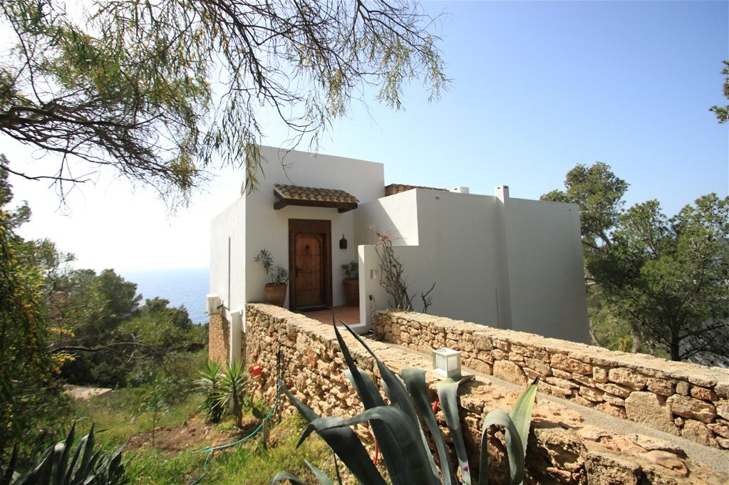 Dream house in Roca Lisa for sale with great sea views