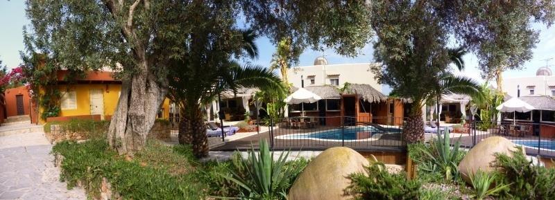 Luxury Villa with 6 Bedroom for sale in Sa Carroca