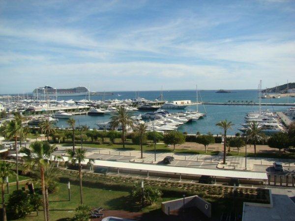 Luxury apartment with 5 bedrooms in the port of Ibiza for sale