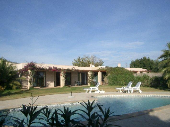 4 bedroom villa in San José de sa Talaia rent Ibiza