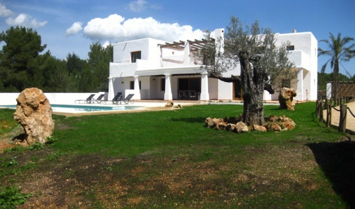 Spacious luxury villa in Ibiza for sale or rent luxury