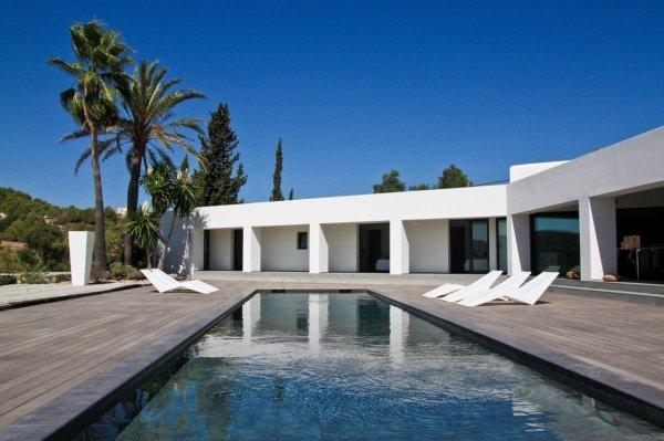 Luxury villa for sale near Jesus