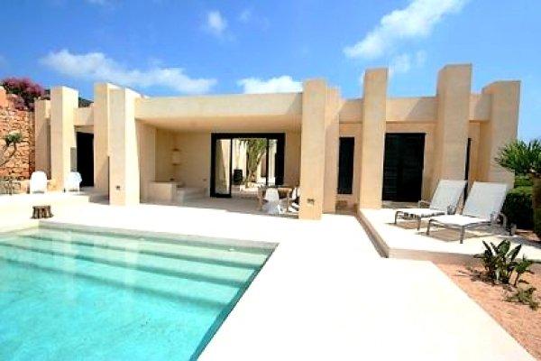 Luxury villa with 5 bedrooms in San José de sa Talaia for sale