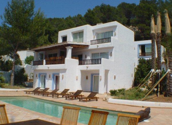 Nice Villa with 8 bedrooms in Eivissa for rent