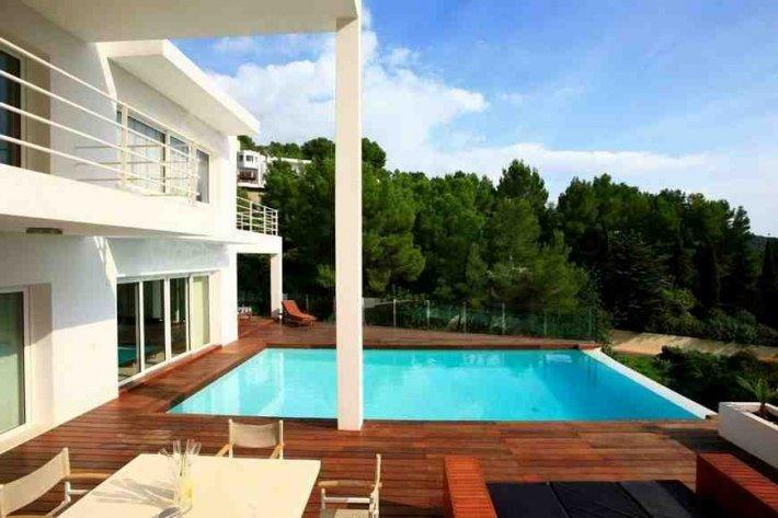 This 7 bedroom luxury villa in Ibiza for sale
