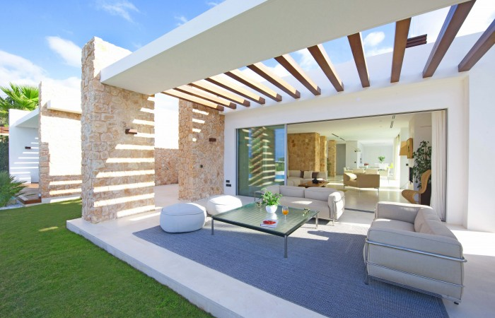 Modern luxury villa in Cala Conta for sale