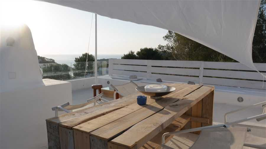 Modern renovated apartment in Cala Vadella for sale