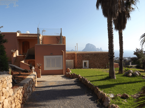 Villa with stunning views in Cala Carbo