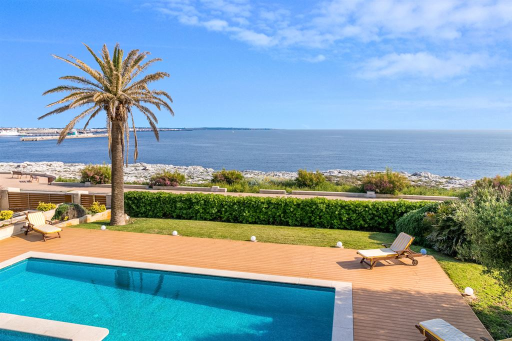 Very exclusive villa in frontline to the sea - Ciutadella in Menorca