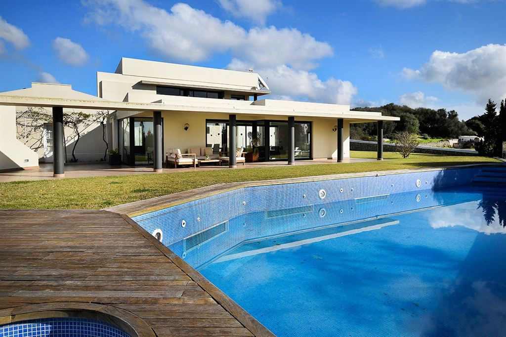 14 years old finca in mint condition near the town of Alaior in Menorca