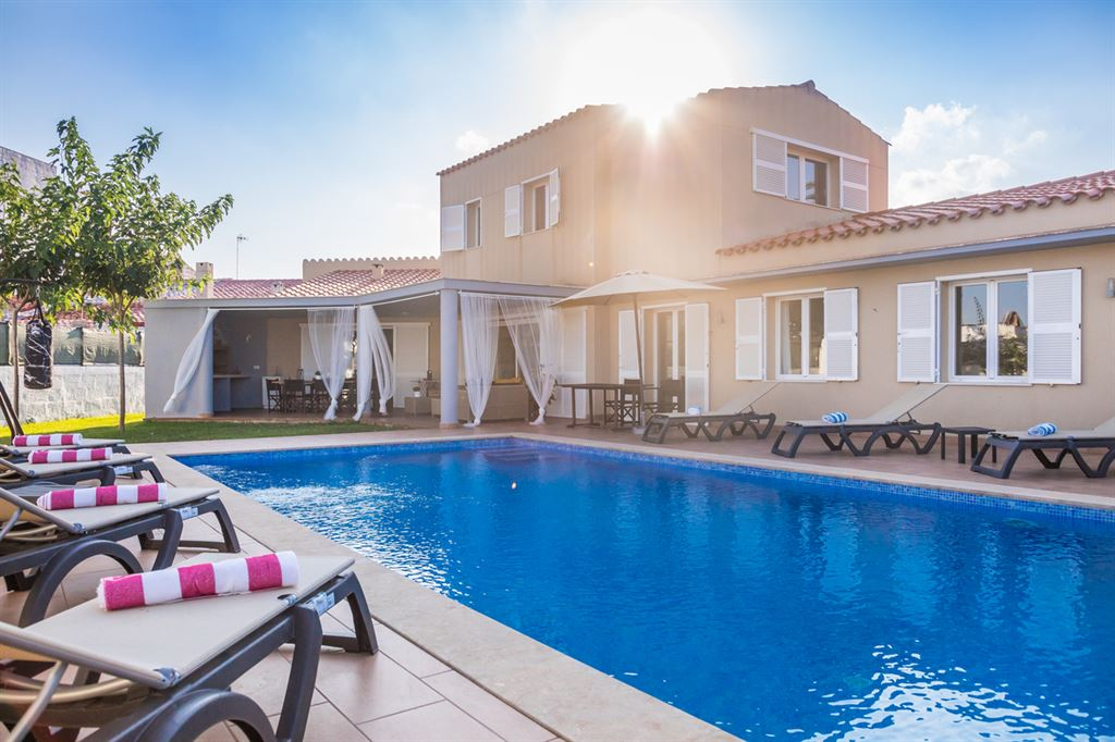 Unique villa for sale in Menorca centrally located in Mahon