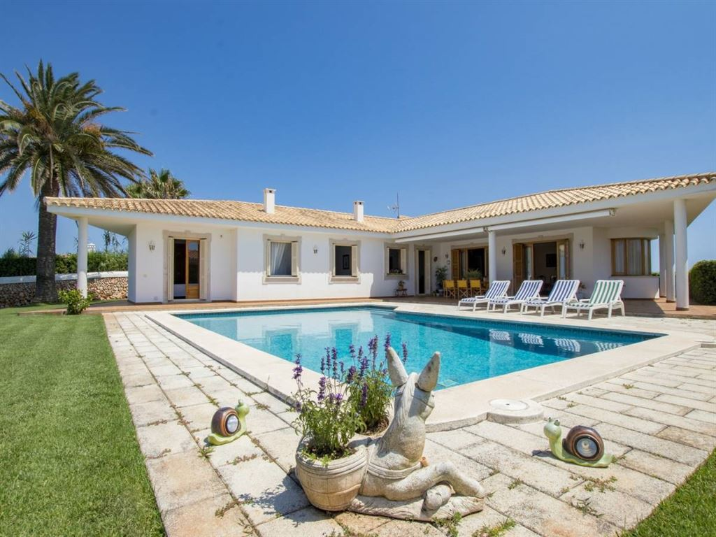 Villa in Cala Llonga with views to the harbour from Menorca