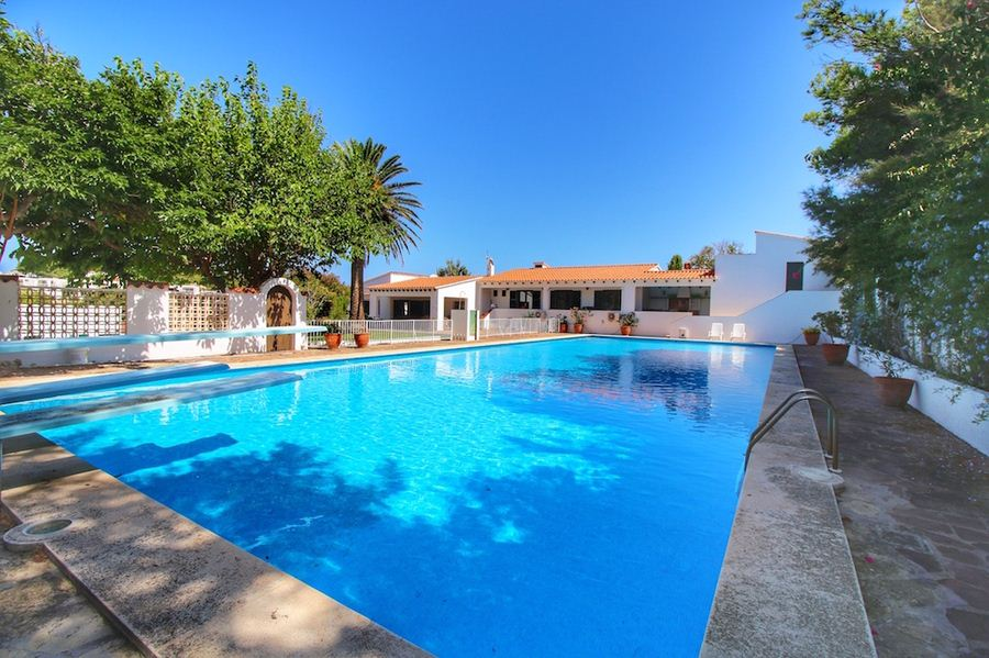 Luxury villa for sale in Menorca with direct access to the sea