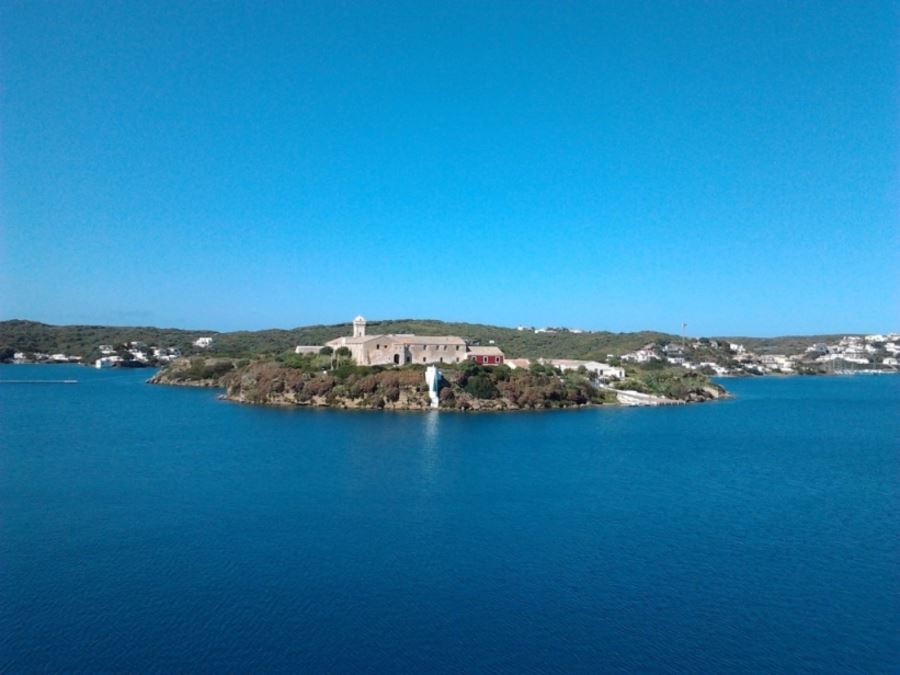 Villa front line with own mooring in Es Castell Menorca for sale