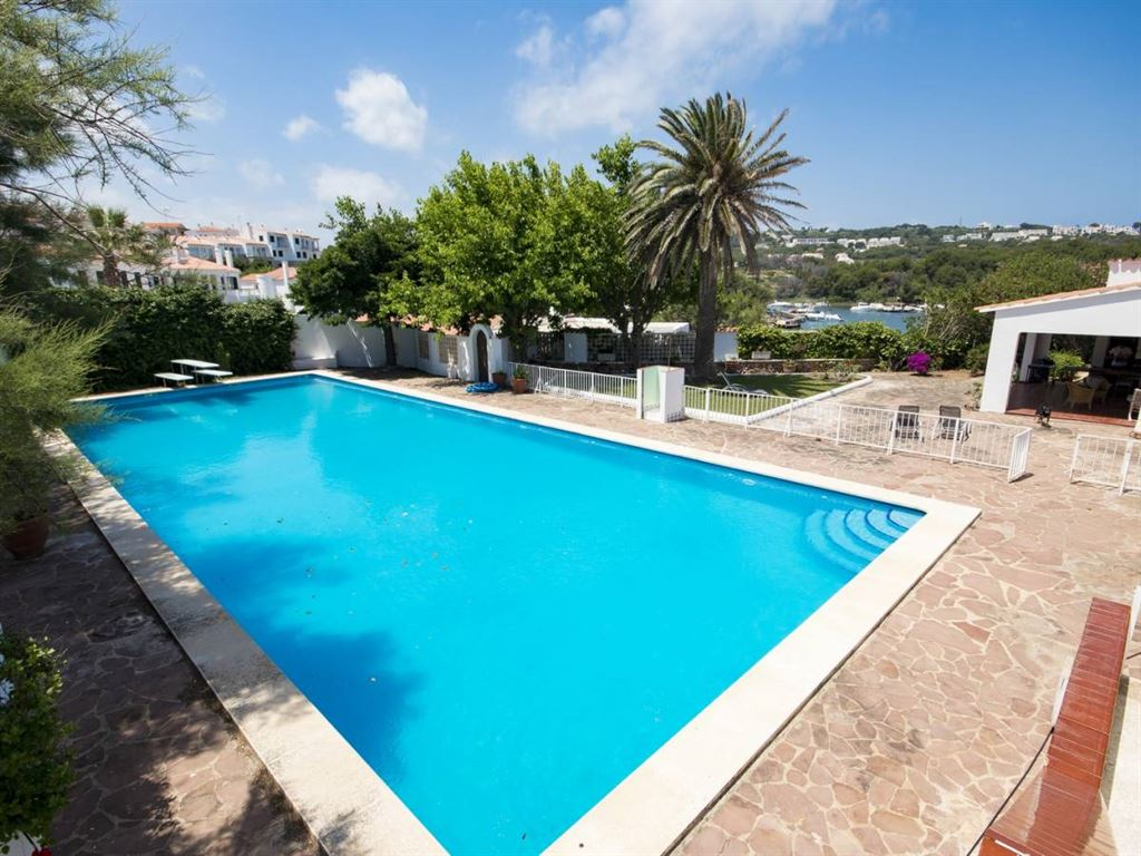 Impressive frontline villa with direct access to the sea in Menorca