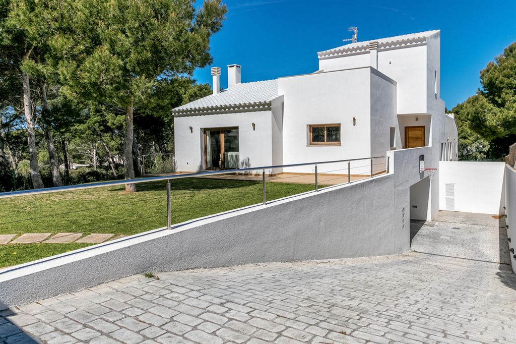 Incredible detached villa near to Cala Morell
