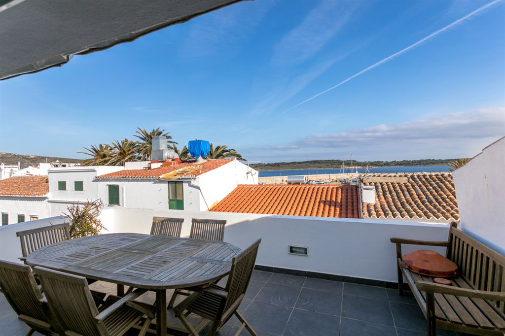 Wonderful villa for sale with 2 beautiful duplex apartments in Fornells
