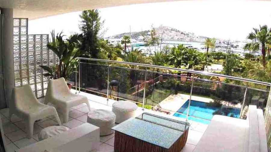 For sale Beautiful 2 bedroom apartment on the Paseo Maritimo Ibiza