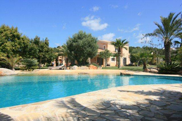 Luxury 5 bedroom villa in San Carlos Santa Eulalia for sale