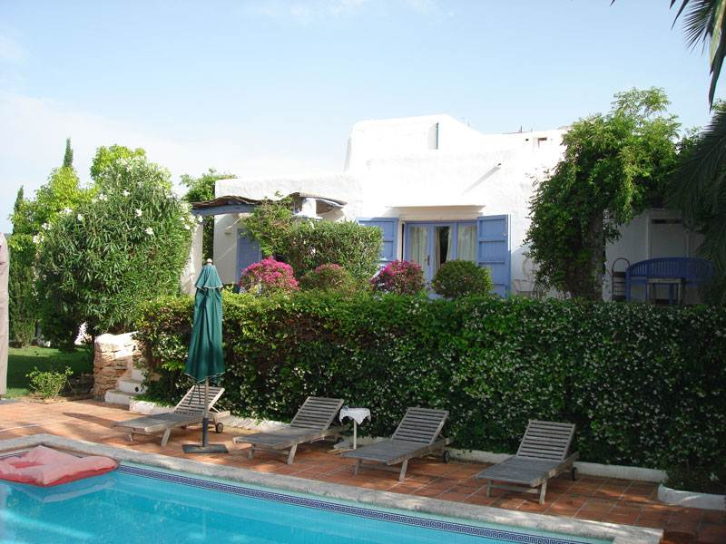 beautiful 4 bedroom house for sale in San Agustin
