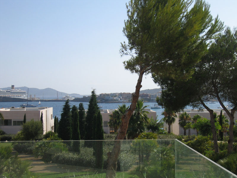 Luxury apartment with 4 bedrooms for sale in Es Pouet-Talamanca
