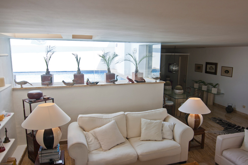 This beautiful 3 bedroom apartment in Marina Botafoch Ibiza for sale