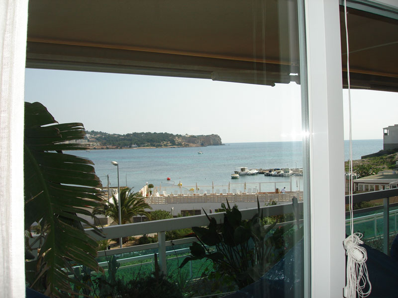 This 3 bedroom apartment in Marina Botafoch Ibiza for sale