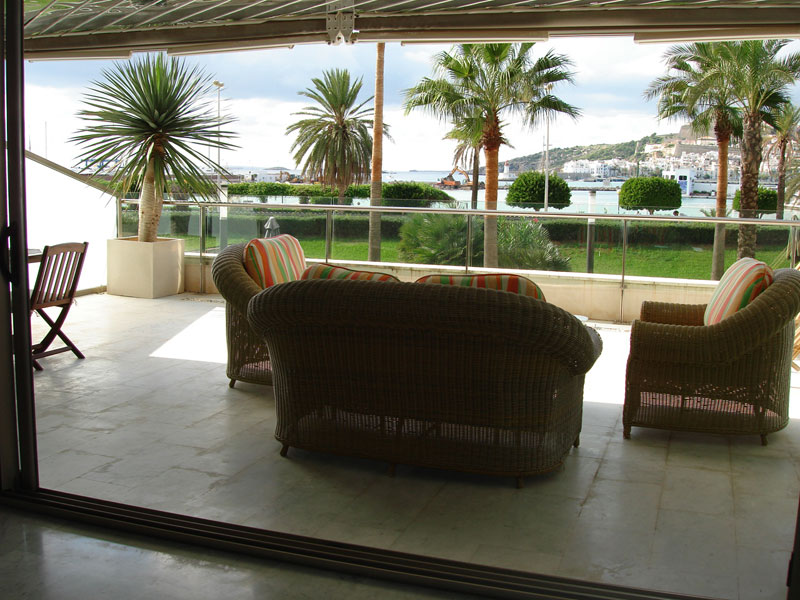 For sale one Apartment with two bedrooms in Marina Botafoch
