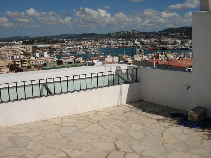 This beautiful 4 bedroom villa for sale in Dalt Vila